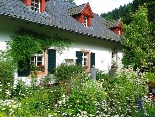 Haus, Hof, Garten